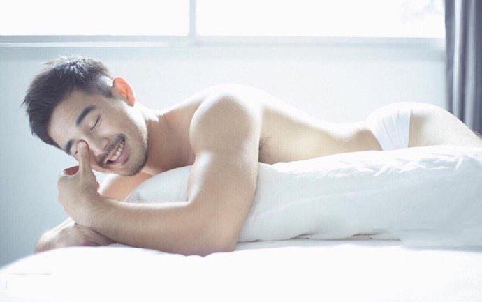 帅哥把空调帅哥日了-网上流出某性感帅哥的翘臀照片