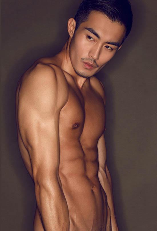 人造美男南伏龙大胆的体艺术写真展男人魅力