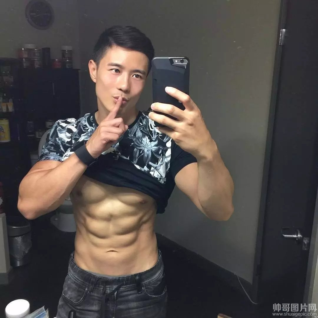 peter资源 peterle ed2k 资源图-肌肉男模