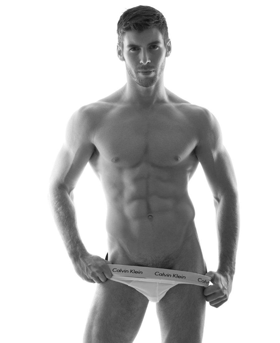 催眠肌肉男健身教练-摄影师让欧美帅哥脱内裤-肌肉男胸肌拍摄