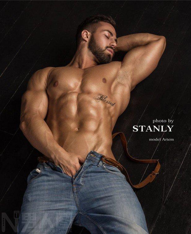 摄影师帅哥和肌肉男互摸-肌肉男的男人那东西无遮挡图
