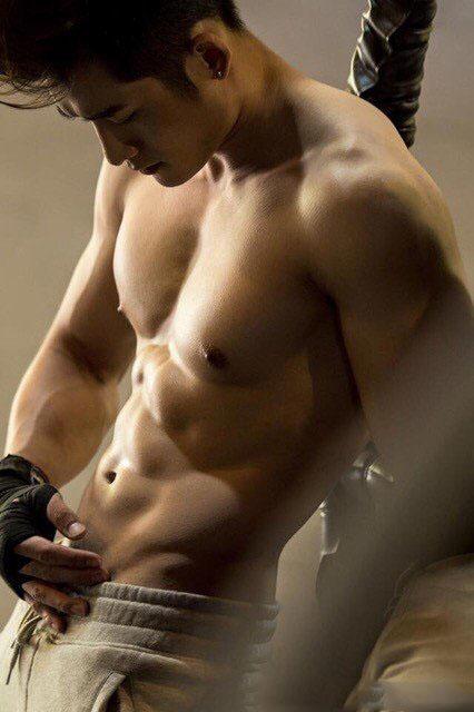 肌肉男被虐腹肌-健身男人那东西性感内裤图片