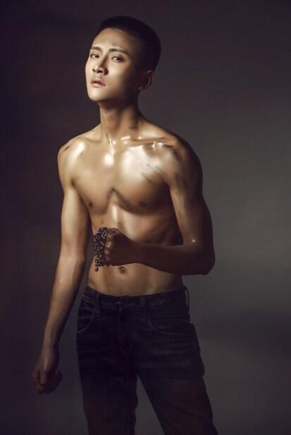 马浩博性感肌肉写真