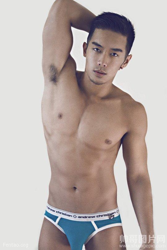 肌肉男的透明内裤照片 肌肉男的男人那东西图片-男模摄影