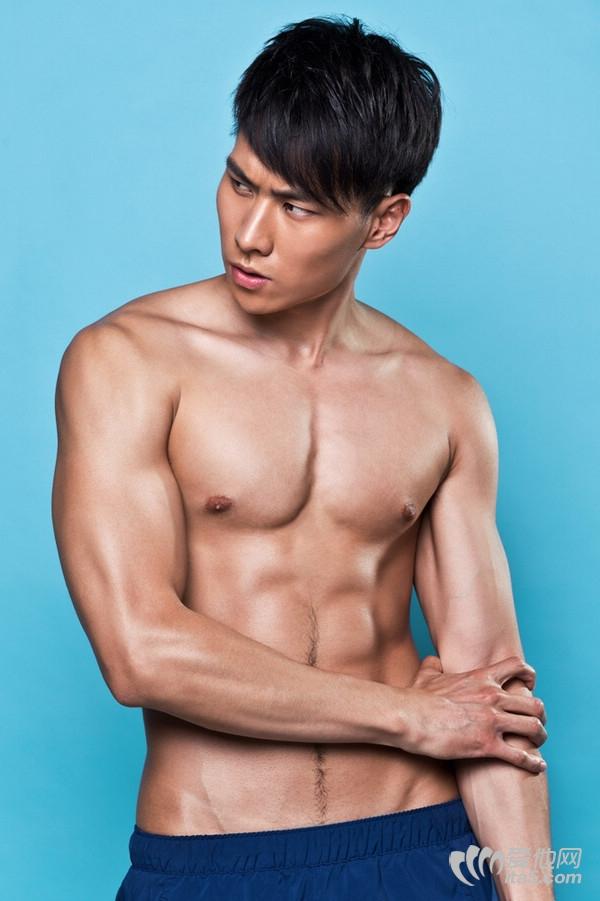 gogoboy刘佳跃高清写真-魅力先生刘佳跃照片-coolguy刘佳跃的微博
