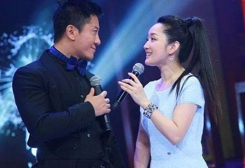 杨钰莹20年前因赖文峰隐退歌坛,两人亲密照片流出,揭甜歌皇后鲜为人知的过去