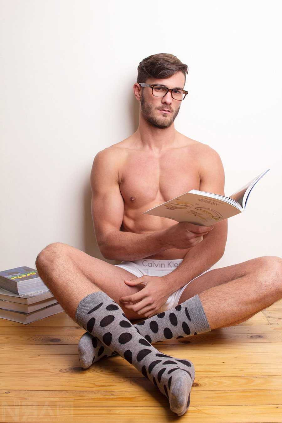 男人长胸毛说明啥-男人养生-肌肉帅哥内裤凸起 帅哥的jj
