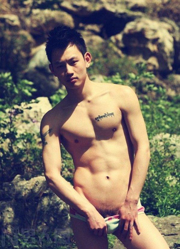 男生锁骨纹身图案-男模潘俊轩全见版 潘俊轩资源