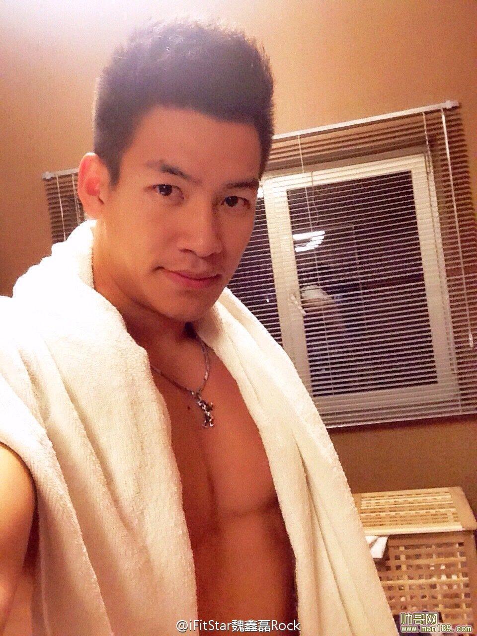 终极硬汉2-肌肉男酒店开房洗完澡自拍图片