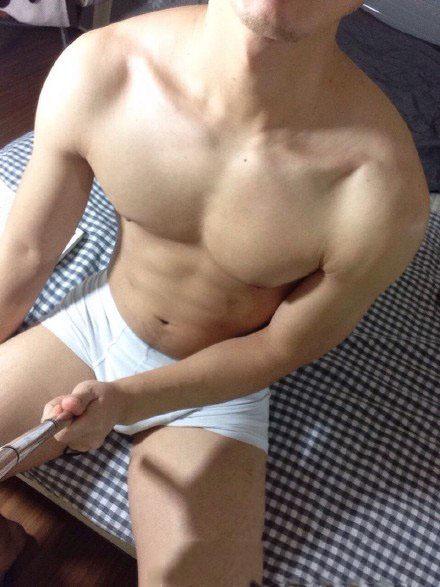 白皙肌肉帅哥-好喜欢帅哥的胸肌
