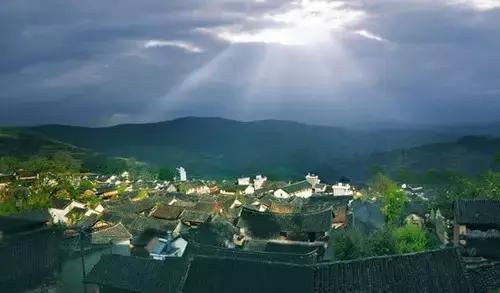 云南这个冷门小镇,超适合说走就走,好多秘境都尚未开发!