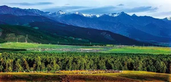 都说北疆美到无可救药,你可知道,这里还有个塞外紫禁城!