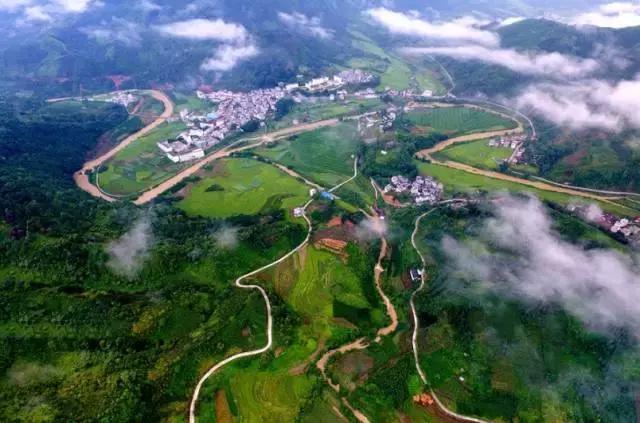 广西那么大,何必非桂林!这个僻静小县,简直是难得一遇的仙境!