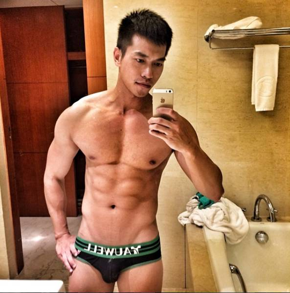 Instagram 的早期国 内 红 人 帅 哥,没看过他的小 视 频,到底错过了多少 福 Li?!