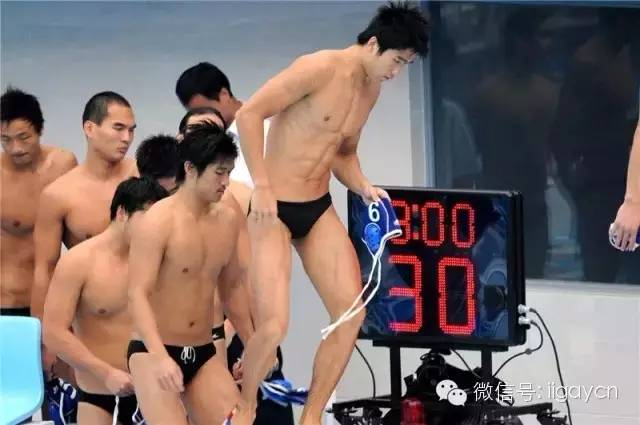 肉体 | 清凉一夏 游泳队的极品肉体.扎堆来袭!