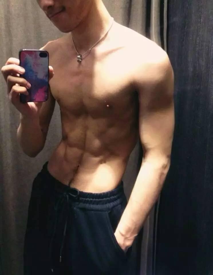 直男体育生 | 被Gay掰弯是一种怎样的体验?